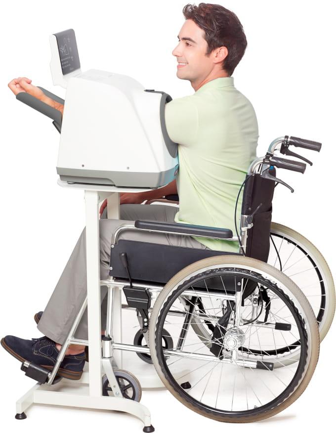 BPBIO-750_Wheelchair-Left-arm-1Opt